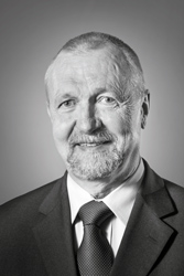 Gerhard Dust