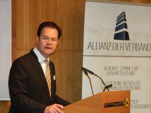 Tankred Schipanski spricht beim politischen Frühstück der Allianz der Verbände